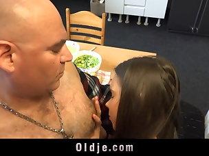 Hot Kissing Porn Videos