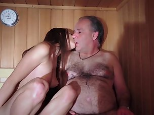 Hot Gagging Porn Videos